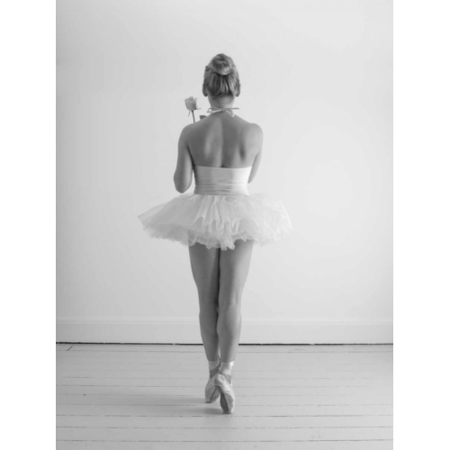 Frank, Assaf의 Young female ballerina