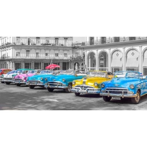 Frank, Assaf의 Traditional cuban cars parked in row by the road in Havava, Cuba, FTBR 1849